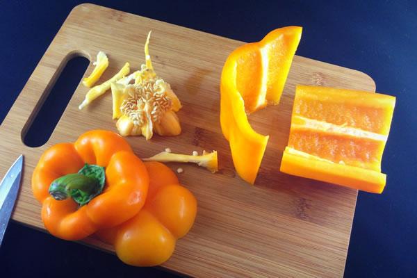 Coring a bell pepper, step 4