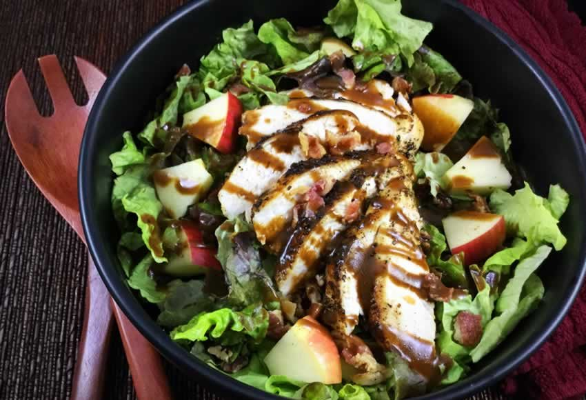 Apple, Bacon & Pecan Salad With Garlic Balsamic Dressing