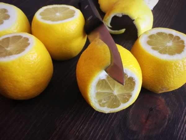Peeling lemons, step 1