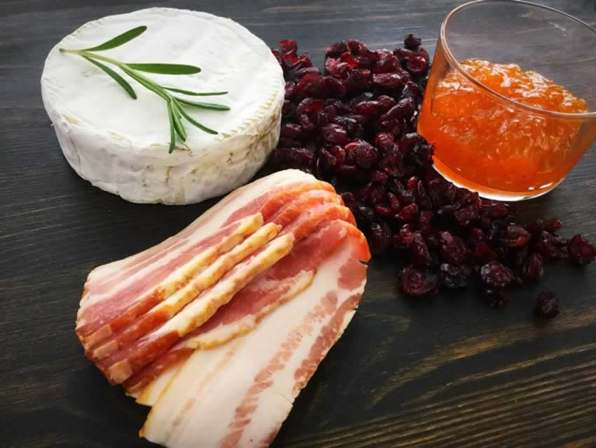 Bacon Cranberry Baked Brie Ingredients