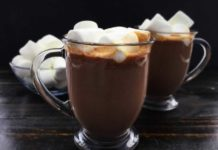 Slow Cooker Kahlua Hot Cocoa