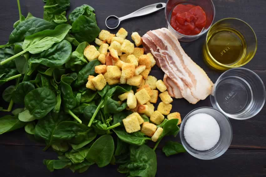 Spinach and Bacon Salad Ingredients
