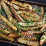 Crispy Garlic Baked Potato Wedges