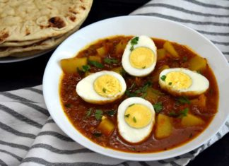 Egg & Potato Curry (Anday Aloo Ka Salan)