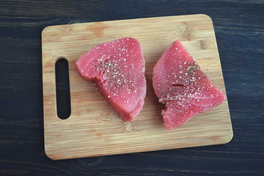 Seasoned tuna steaks