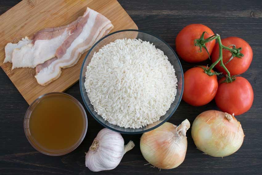 Portuguese Tomato Rice (Arroz de Tomate) Ingredients