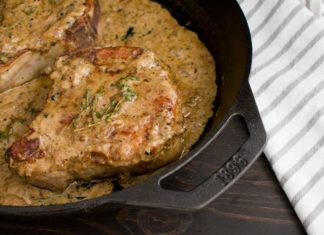 Pork Chops with Peppercorn Sauce