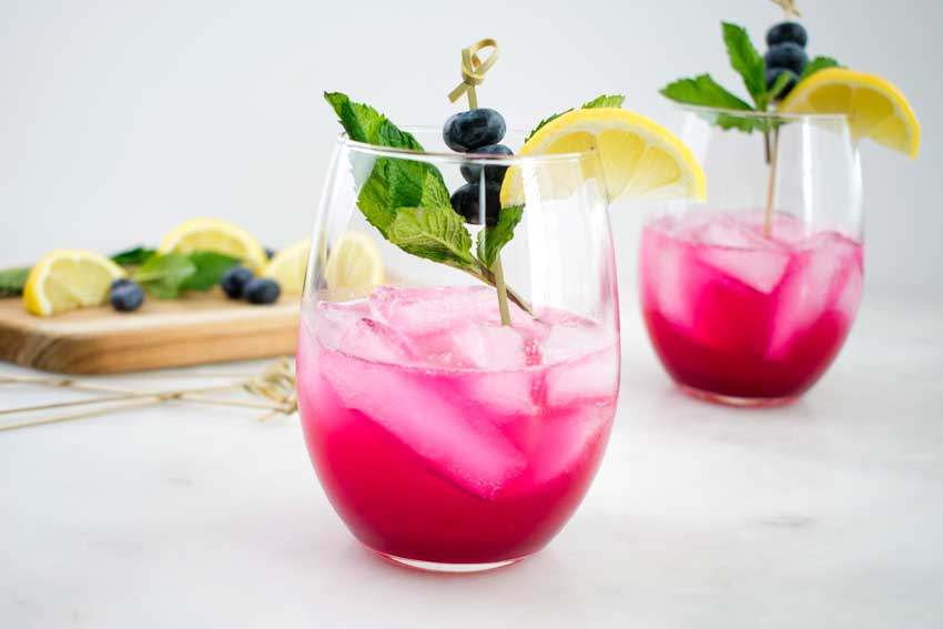 Easy Sparkling Blueberry Lemonade