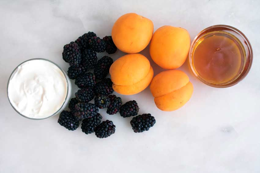 Roasted Apricots With Mascarpone and Blackberries Ingredients