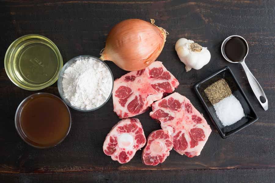 Southern Smothered Oxtails Ingredients