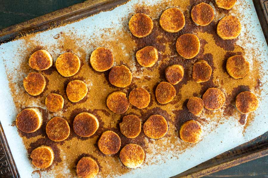 Plantain slices sprinkled with the cinnamon sugar mixture