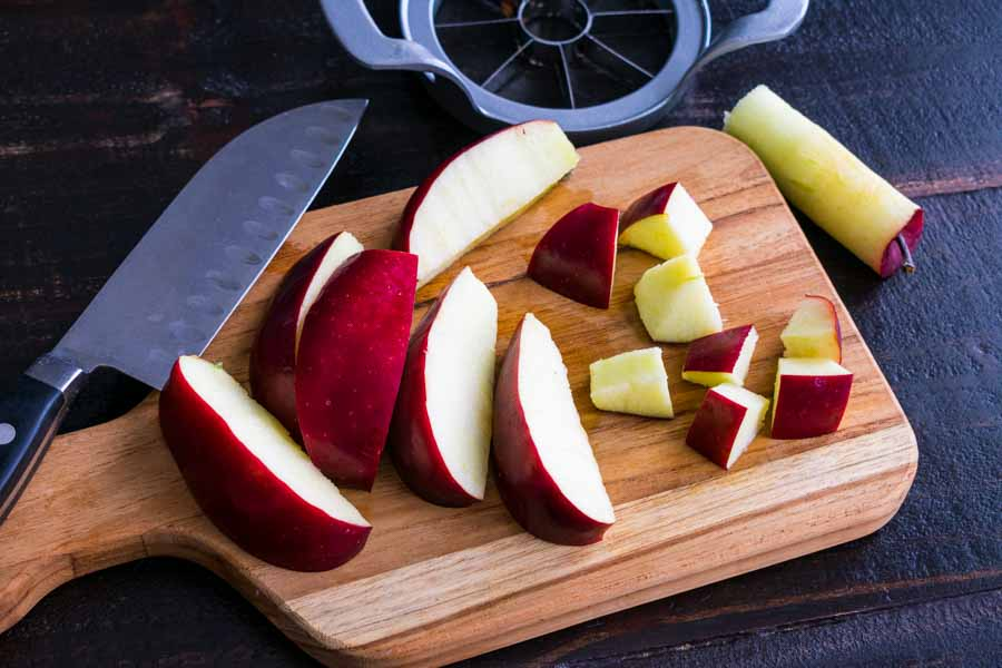 Chopping the apple