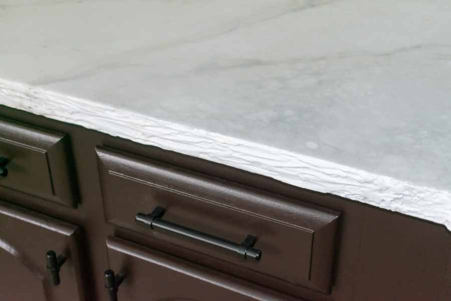Faux rock countertop edges